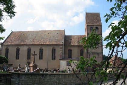 Crédit Mairie - Eglise St Jacques le Majeur avec clocher du 12ème siècle construit par le Chevalier d'Empire Jean Bernach